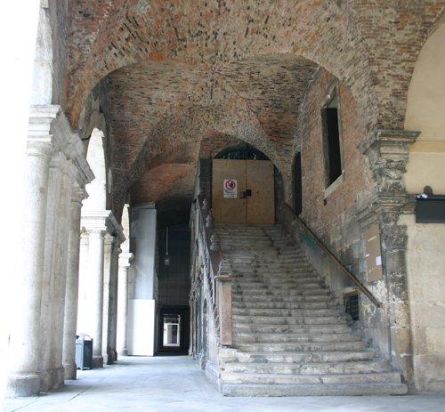Staircasebasilica_9531