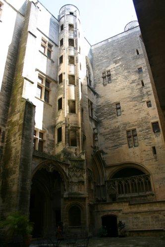 Castleinside_0404