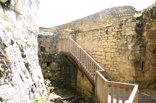 Castelnaud_keep_1437