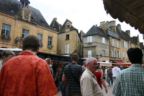 Sarlat_market_1484