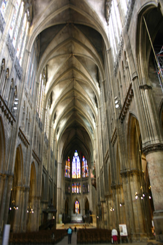 Insidecathedral_2619